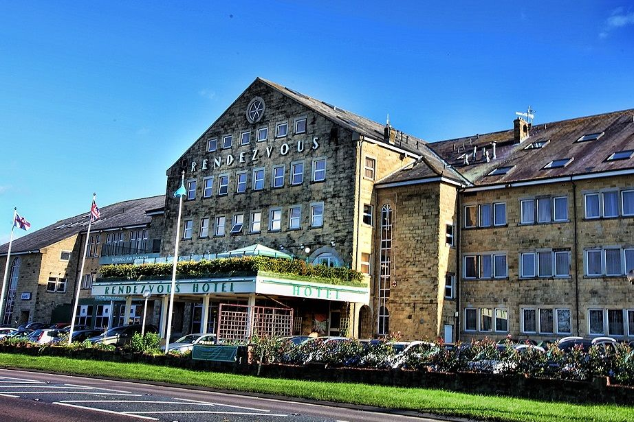 Where to stay keighley golf club for A and s salon supplies keighley